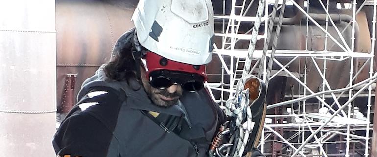 Teclimb Höhenarbeiter im Seilzug beim Einsatz